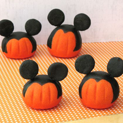 Awesome for an October Mickey Themed party!! wink wink -- @Kayla Stein