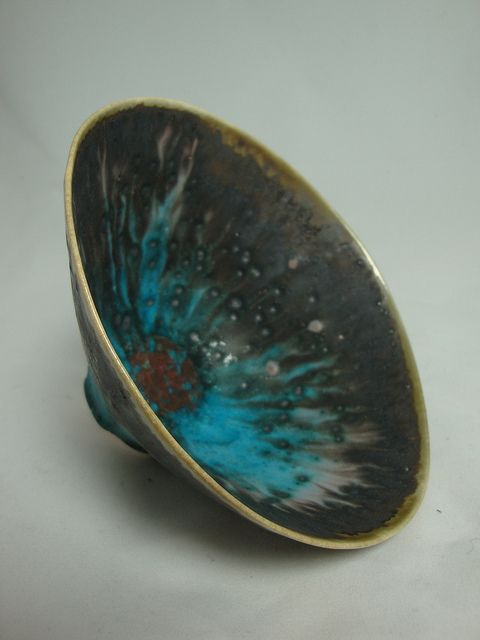 Olia Lamar -  Porcelain bowl with strontium blue glaze and manganese dust  via Flickr