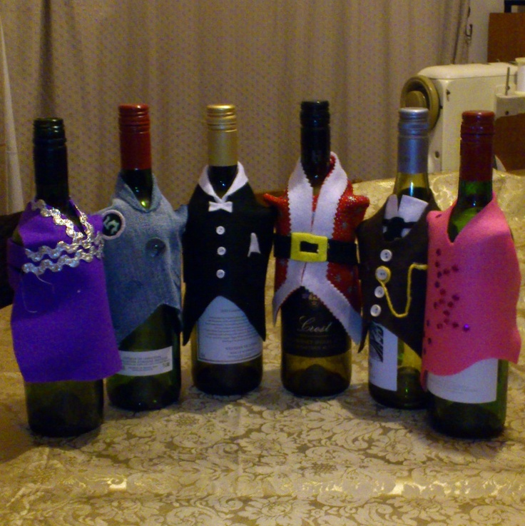 Wine bottle jackets. £4.50, via Etsy.