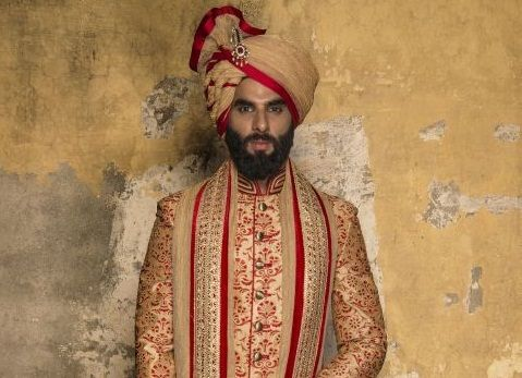 The perfect Groom look with classy Groom men's sherwani in Noida Contact us : Mobile No. 9350301018 http://bit.ly/2ep5uCt Visit to website:- www.puneetandnidhi.com
