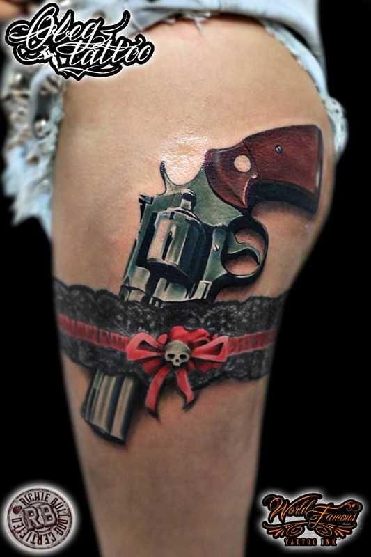 ber ideen zu strumpfband tattoos auf pinterest t towierungen spitzenstrumpfband. Black Bedroom Furniture Sets. Home Design Ideas