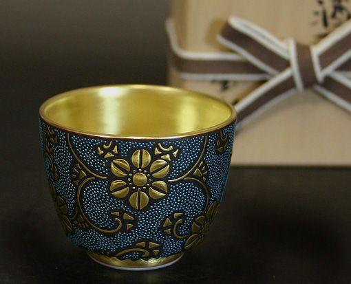 Hand painted Kutani Sake cup. #sake #nihonshu #japan