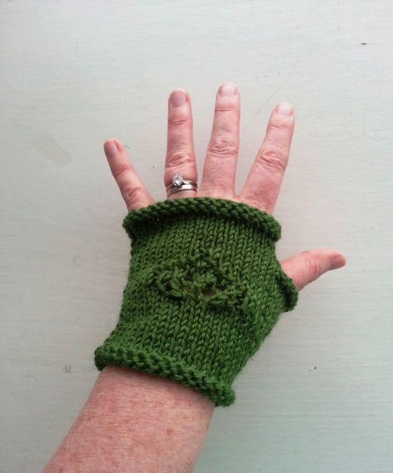 Women's green fingerless gloves handknit wool gloves by GrannyJack