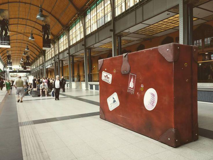 Hello Wrocław!   #wroclaw #igerswroclaw #wroclove #love #instatravel #luggage #trainstation #igerspoland #helloworld