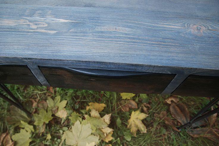 Sosnowe biurko ze stalowymi nogami (526929) od ReNowe Art...
