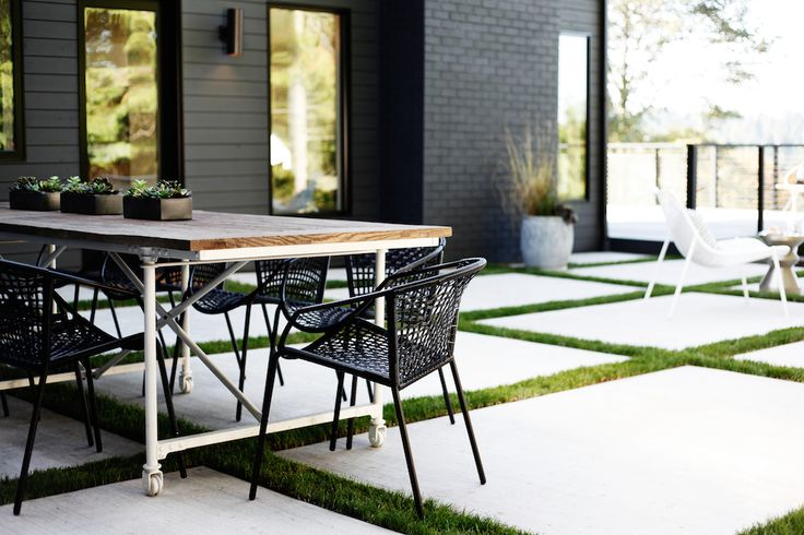 Sleekness in Seattle: Modern Garden, Midcentury House: Gardenista