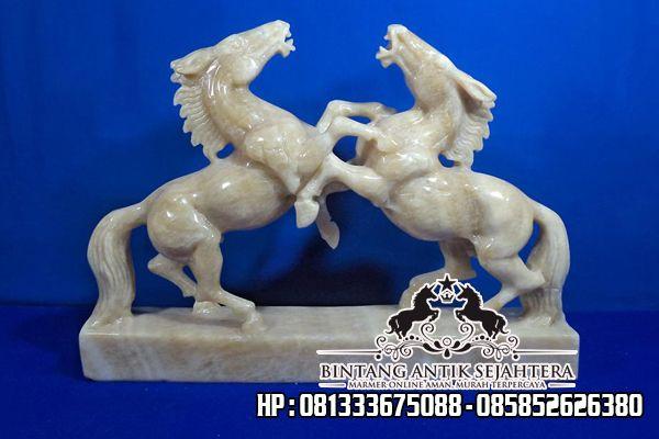 Patung Kuda Batu Onix
