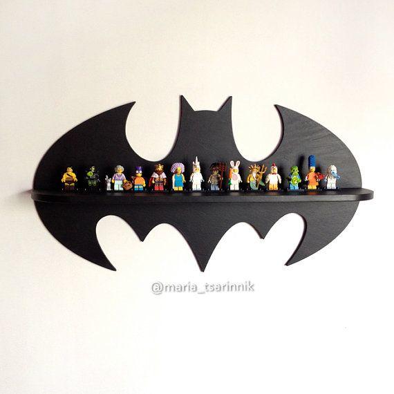 Estante de madera Batman 24 en x 13 en por Purplepollen en Etsy
