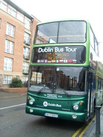 世界のかわいいバスまとめ アイルランドの緑のバス