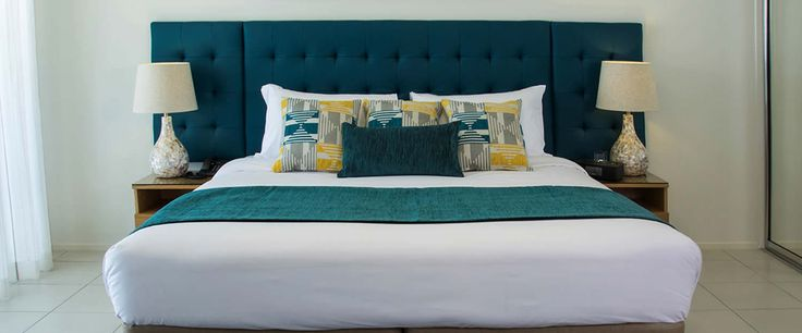 Lagoons 1770 resort executive studio bed. Bed Runner and Bel-air Cushion made by HotelHome in design PERSIA. #hotelhome #resortbed #hotelbed #bedrunner #hotelcushion