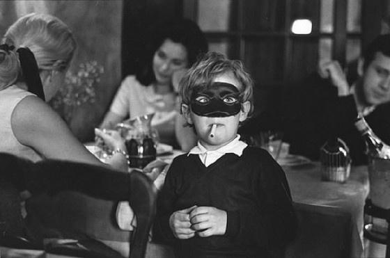 Collyrium #2 – Maschera. Foto di persone mascherate