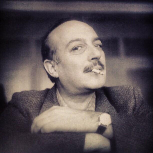 sigaranın en çok sevdiği şair. #cemalsüreya #poetry #sevdasözleri - @hsipahi- #webstagram