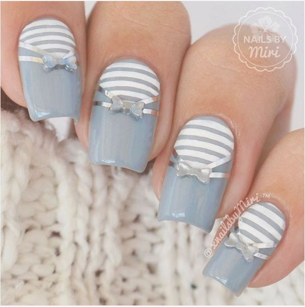 Silver bow manicure