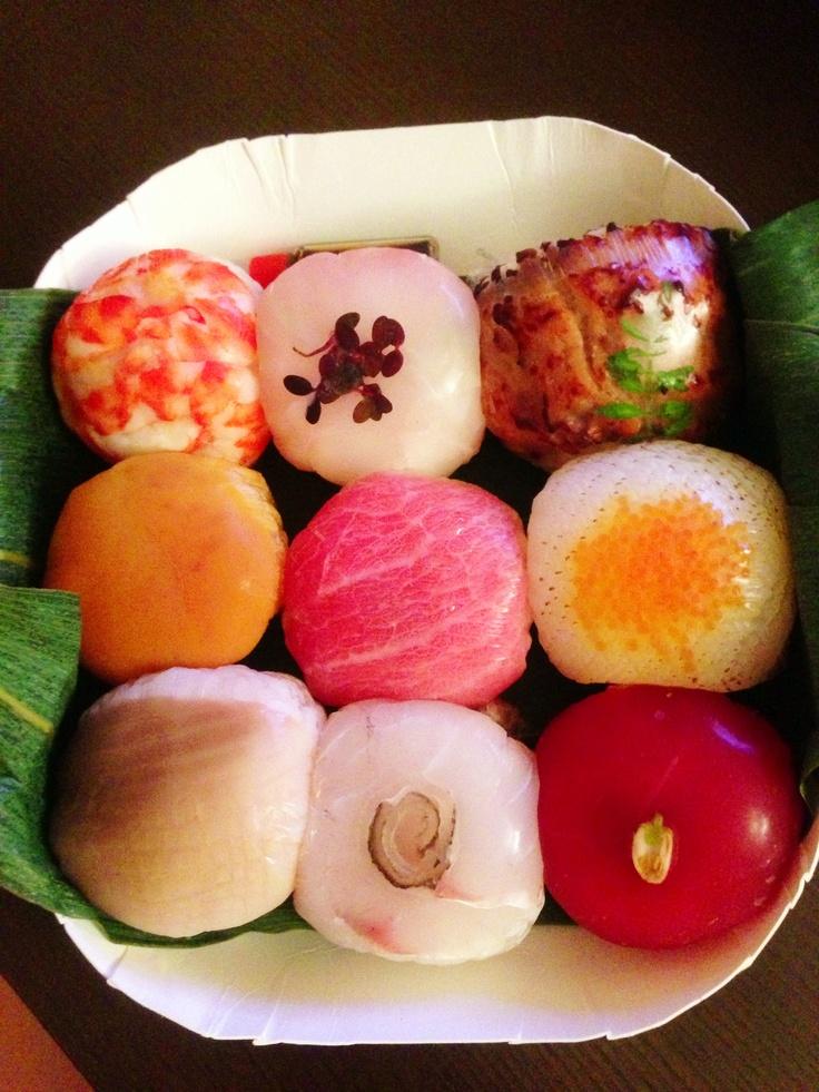beautiful sushi ball, yummy~♥