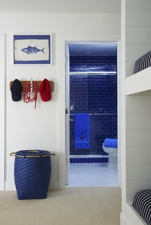 Nautical ensuite with seamless glass shower  blue glass subway tiles shower surround  Cobalt blue. Viac ne  1000 n padov oBlue Nautical Bathrooms na Pintereste