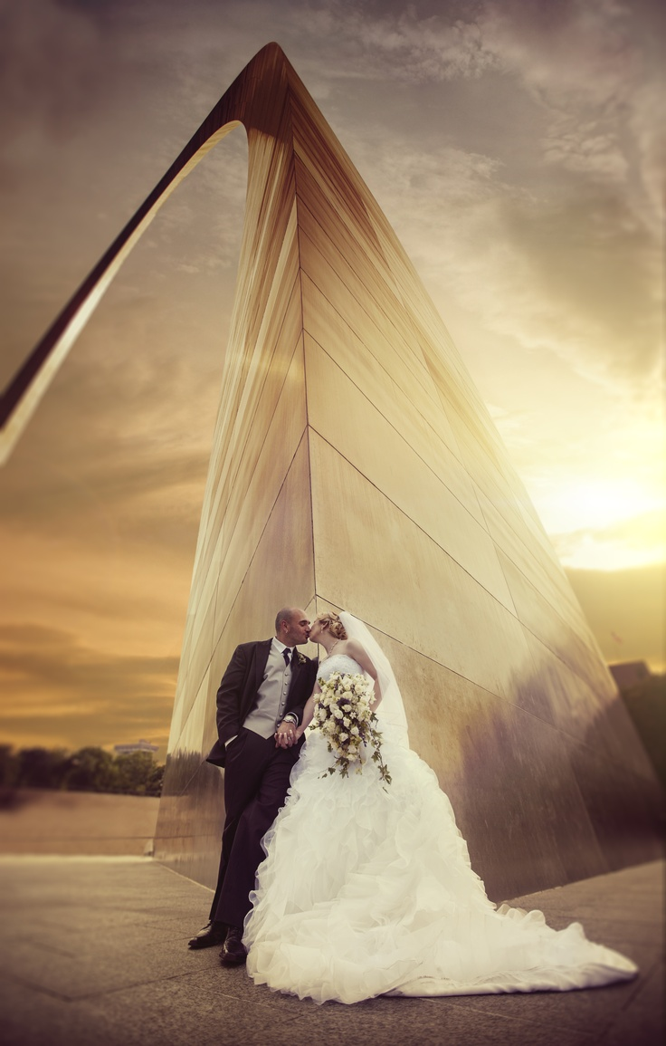 Love the leading lines!  Bride and Groom at Sunset at St. Louis Arch by Sal Cincotta (@Sally Redfield Cincotta )
