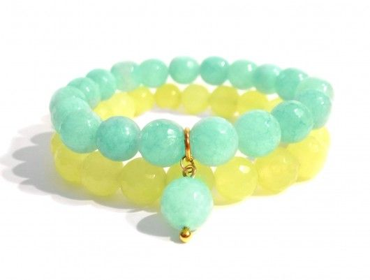Handmade Bracelets inspired by a famous 'Mojito' drink. Mint green and lemon faceted jade beads with a minty pendant. Find us on: www.labonita.co  order: labonita.bizu@gmail.com