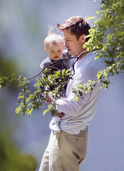 What a sweet picture. :) Brad Pitt and Shiloh Jolie-Pitt