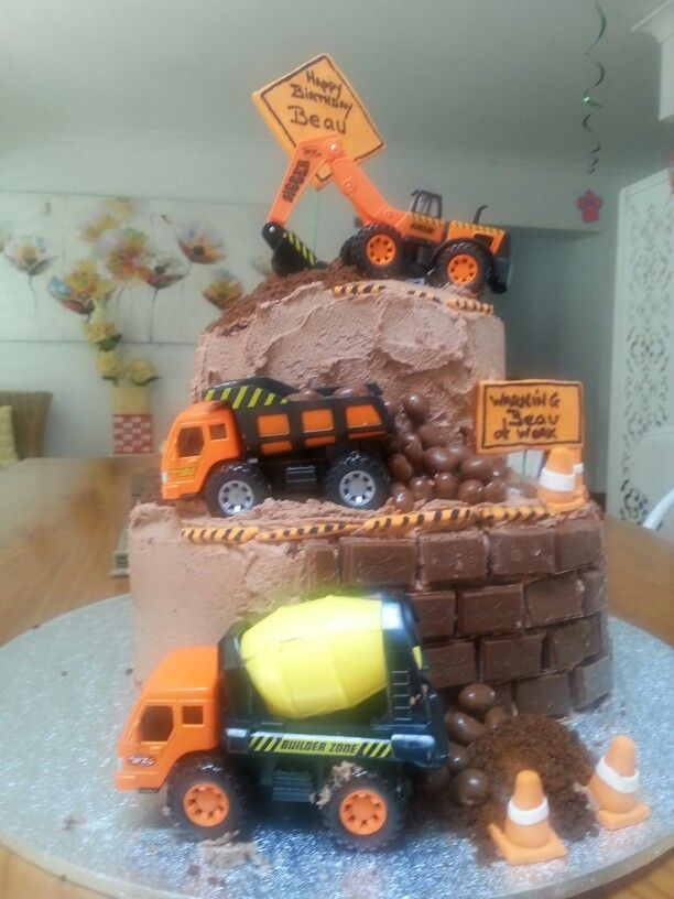 Construction cake .for my Grandsons 3rd Birthday.
