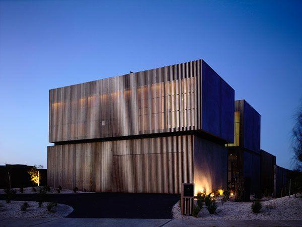 Robust Coastal Residence in Australia: Torquay House