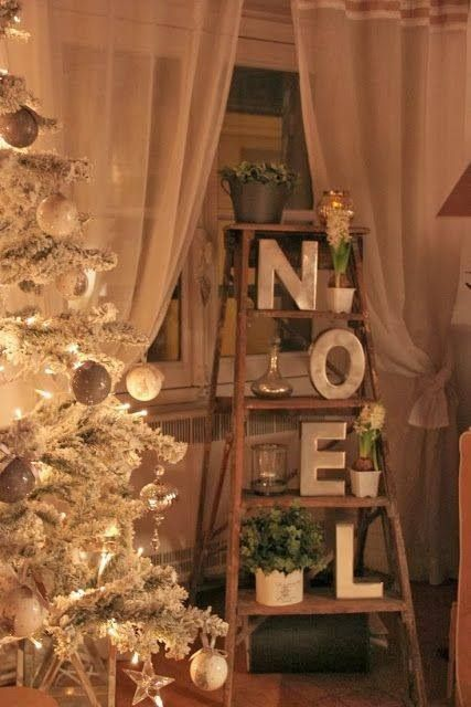 Clever use of ladder in Christmas decor!  #Christmas #decor homechanneltv.com