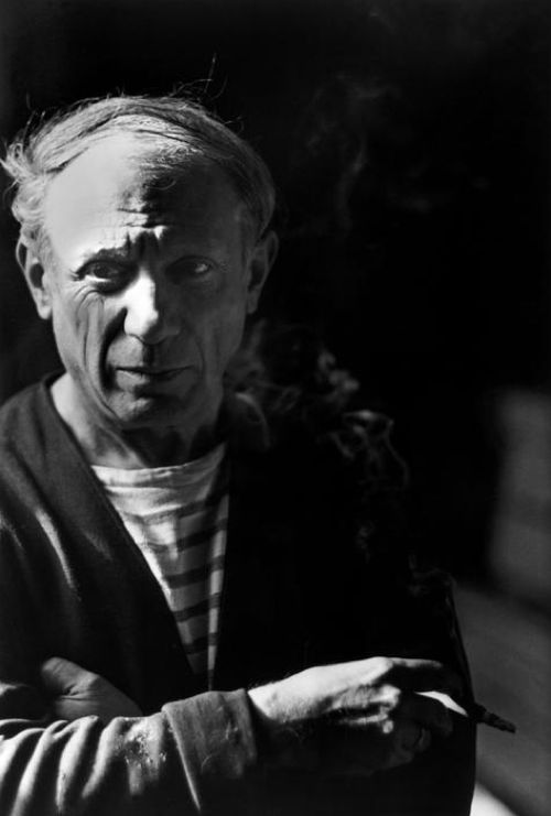 Photographer: Robert Capa | Pablo Picasso, Paris 1944 | Portrait - Candid - Black and White - Editorial - Photography || About Robert Capa: http://en.m.wikipedia.org/wiki/Robert_Capa