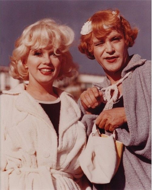 "Sugar Kane Kowalczyk and Geraldine ""Daphne,"" Some like it Hot (1959)"