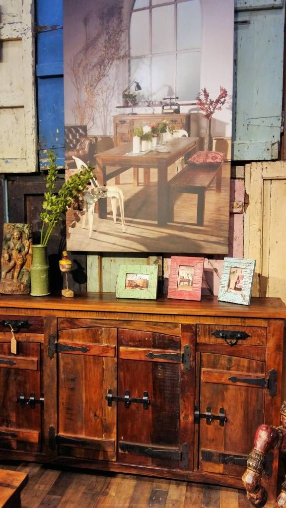 Little Tree Furniture Rustica Sideboard and Picture Frames (von Little Tree Furniture)
