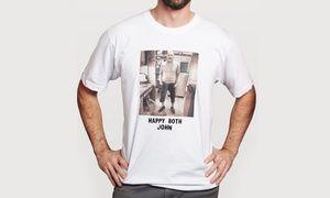 Groupon - T-shirt, felpa o striscione in pvc con stampa foto personalizzata da Graficamente (sconto fino a 57%) a Nardò. Prezzo Groupon: €9,90