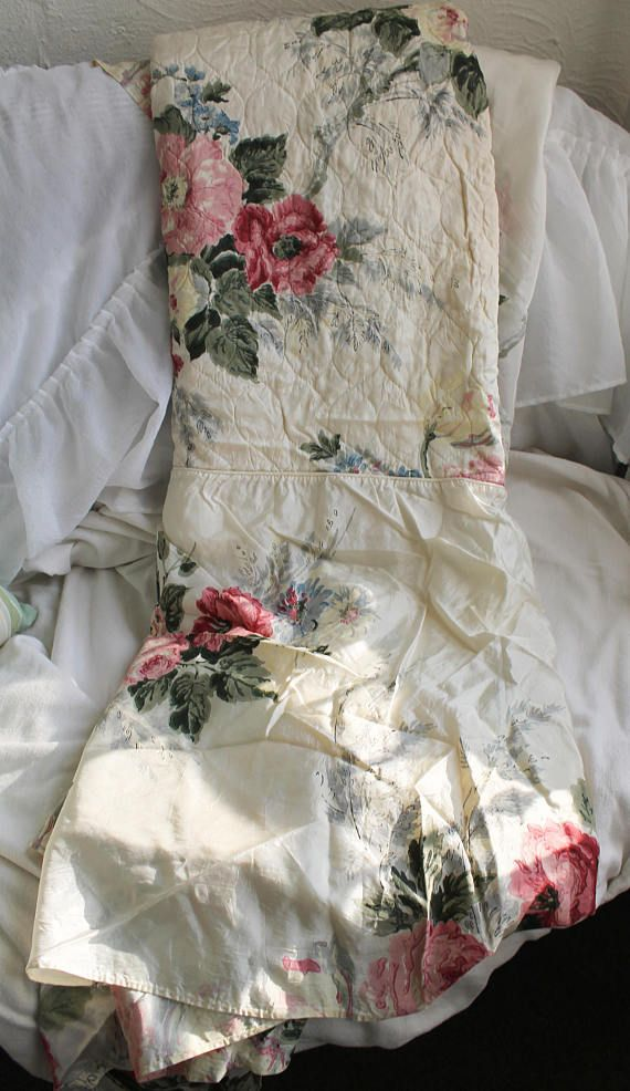 46 X 80 Bed cover Rose shabby Victorian Cream