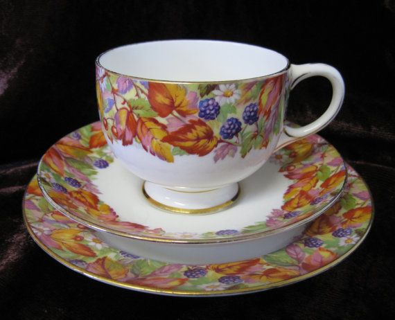 Vintage Paragon Tea Trio, Autumn Berries and Leaves/1930s