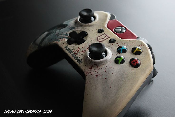 Rise of the Tomb Raider: Custom Xbox One Controller by Vadu Amka
