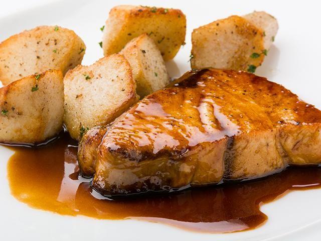 醤油とみりんは1:1にします。イタリア風にするためにバルサミコ酢を入れるのがコツです。