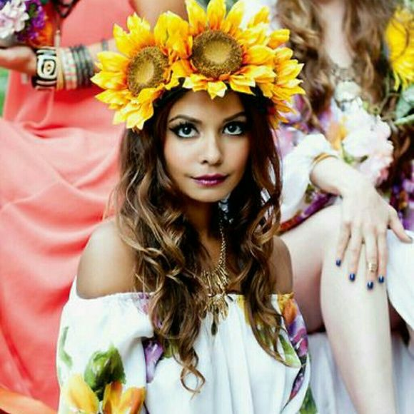 Sunflower crown Handmade ..get the look and make an offer Accessories