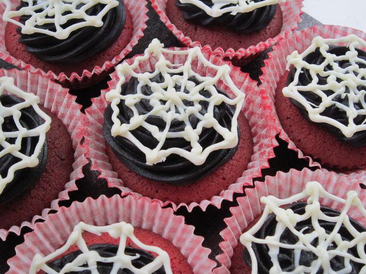 Halloween spiders web cupcakes