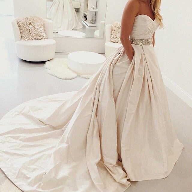 We simply adore Paloma Blanca 4606! xoxo