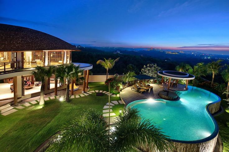 Bali Accommodation: This amazing 5 Bedr Villa is available also for weddings.