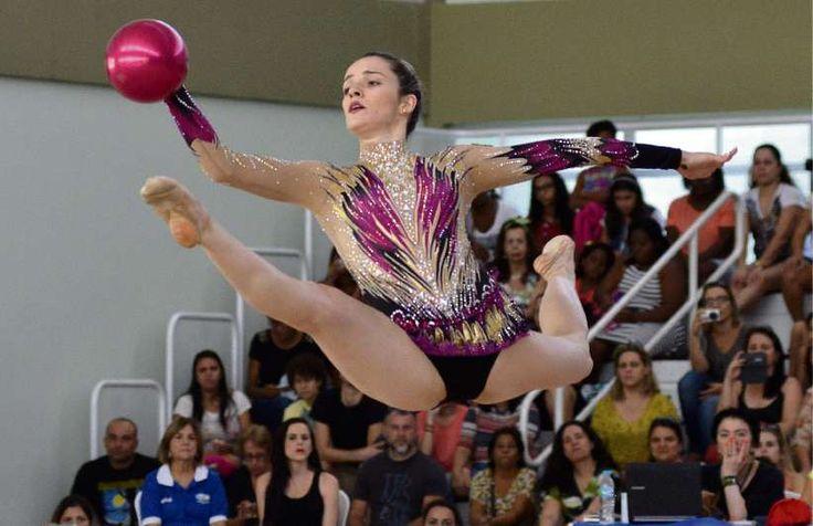Natália Gaudio mostra coreografia e faz últimos ajustes antes da Rio 2016 #globoesporte