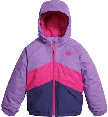 This North Face winter jacket in purple and pink for toddlers is fully waterproof, as backed by its DryVent 2-layer membrane and fully sealed construction. This means your toddler will stay protected while playing in the snow or just running errands with you during inclement weather.