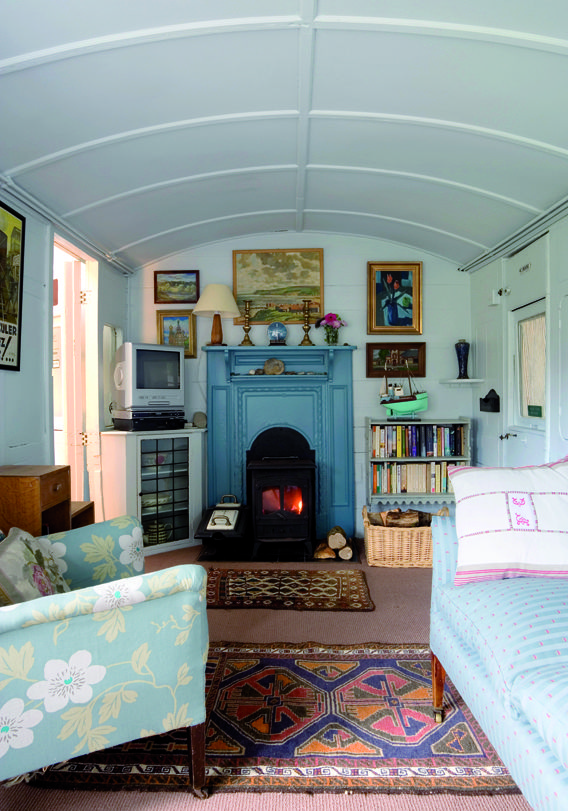 Your Home is Lovely: interiors on a budget: Book preview: Homes from Home