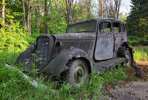 abandoned cemeteries creepy underwater | Photos: The Abandoned Soviet Youth Camp Turned Into a Creepy Car ...