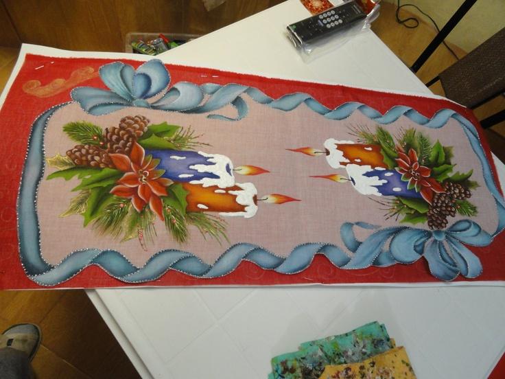 Este camino de mesa es ideal ahora que se acerca navidad   Arte en ...