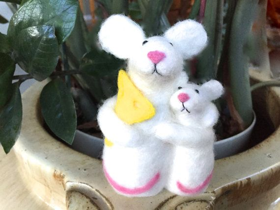 Needle felted mouse figurine baby mouse cheese white by Felt4Soul