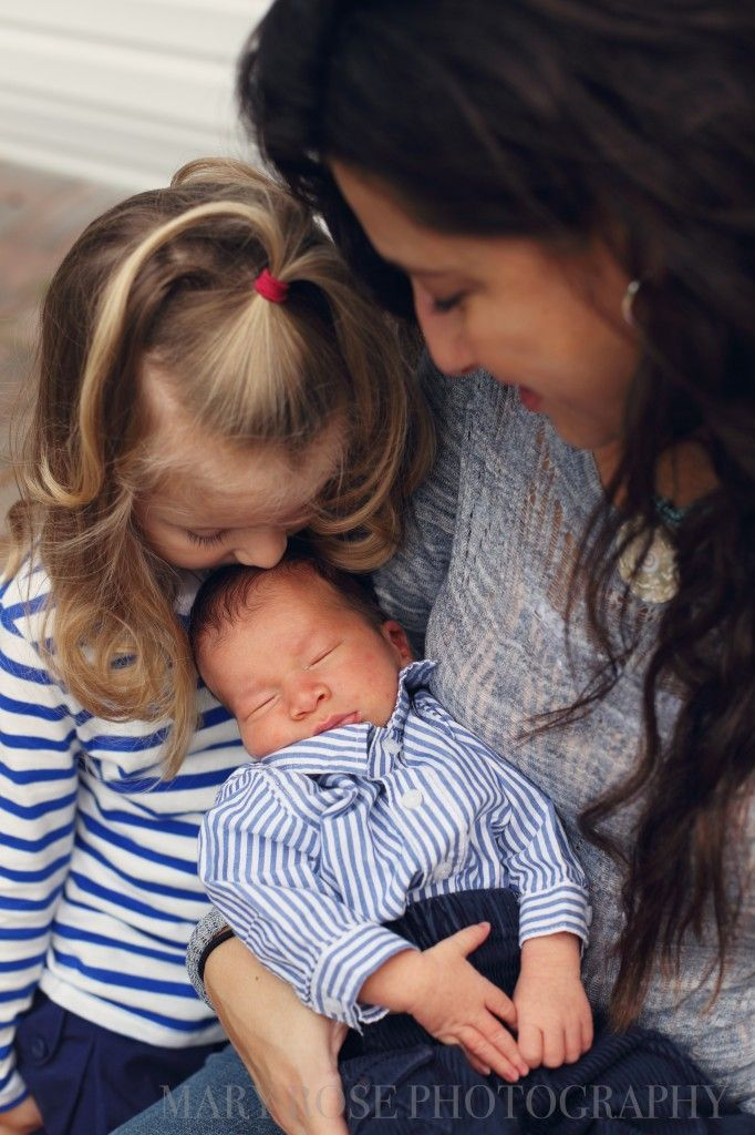 Gross family photoshoot and newborn photoshoot by mary rose photography in chicago
