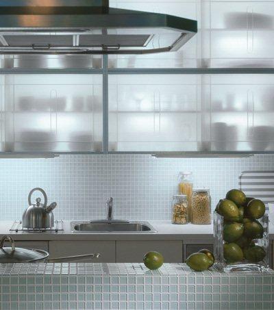 backsplash using a clear glass mosaic tile white kitchen backsplash