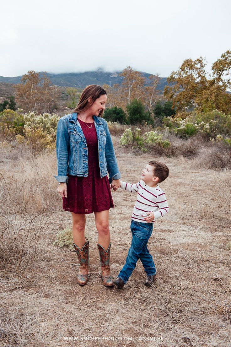 Outdoor family photos mom with baby boy pictures - Steele Canyon Bridge, Rancho San Diego Fall Family Portrait Session