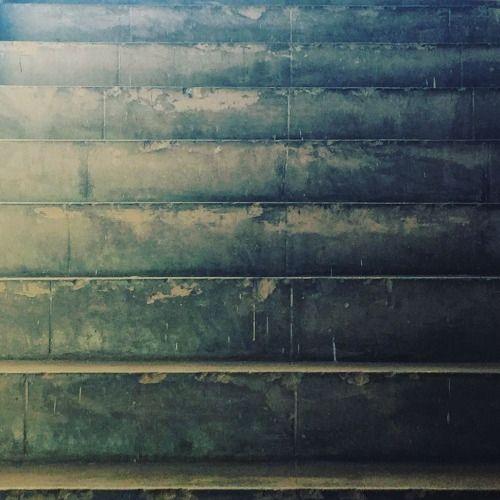 Bien acá.   #stair #stairporn #escalera #escaleras #old #antiguo