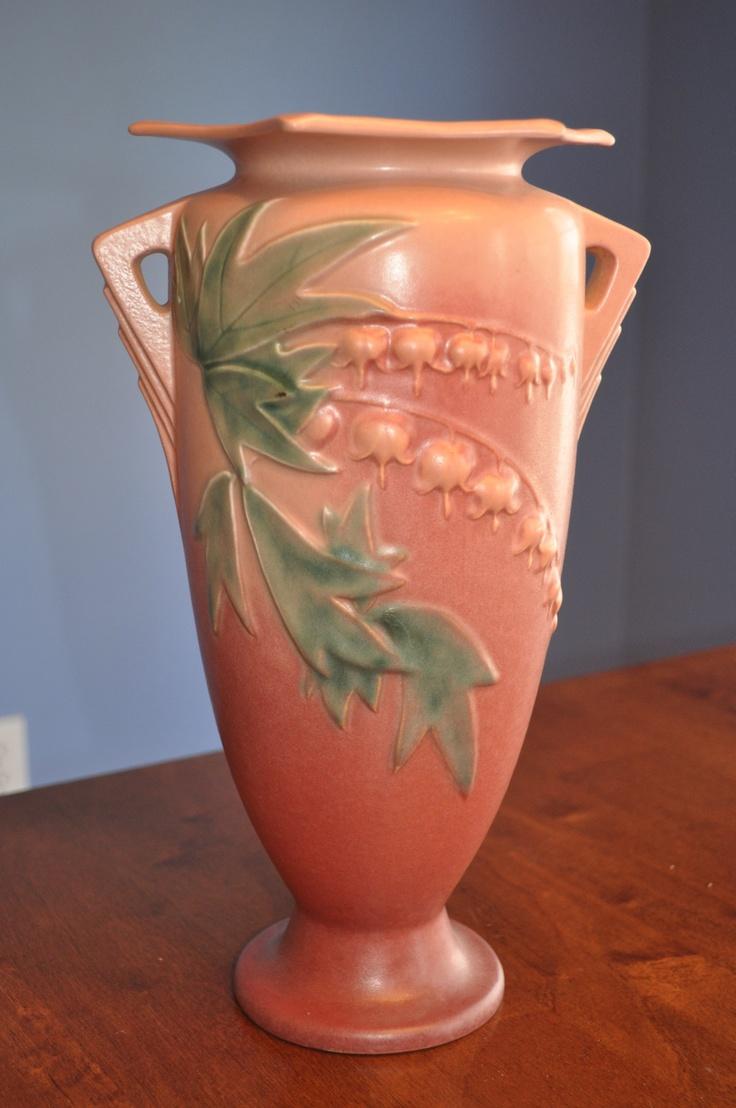 Roseville Bleeding Heart Vase Artsy Pottery Love Pinterest Vase Bleeding Hearts And Pink