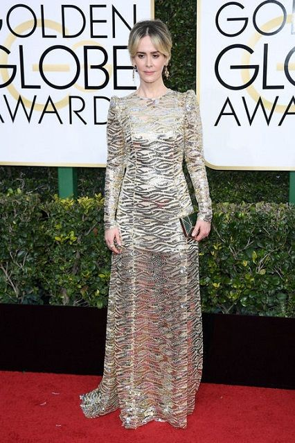 Sarah Paulson in Marc Jacobs ai Golden Globe Awards 2017 http://www.theauburngirl.com/best-dressed-of-the-weeks-golden-globes/