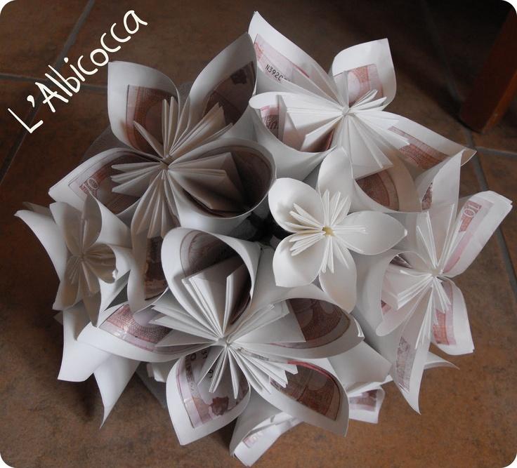 L'Albicocca: Fiori di carta... per soldi di carta...